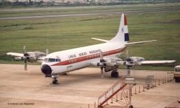 Electra ZP-CBZ: El Lockheed L-188 Electra C matriculado ZP-CBZ en el Aeropuerto Internacional Silvio Pettirossi de Asunción en 1990. Foto copyright: Colección de Antonio Luis Sapienza.