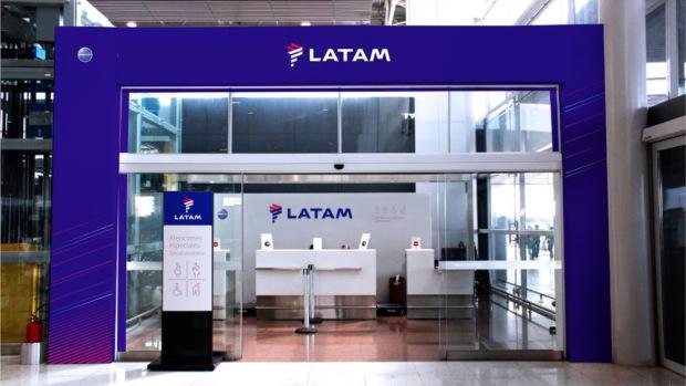 latam_portico_aeropuerto-de-congonhas