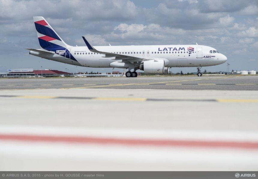 04_First-A320neo-LATAM-MSN7126-1