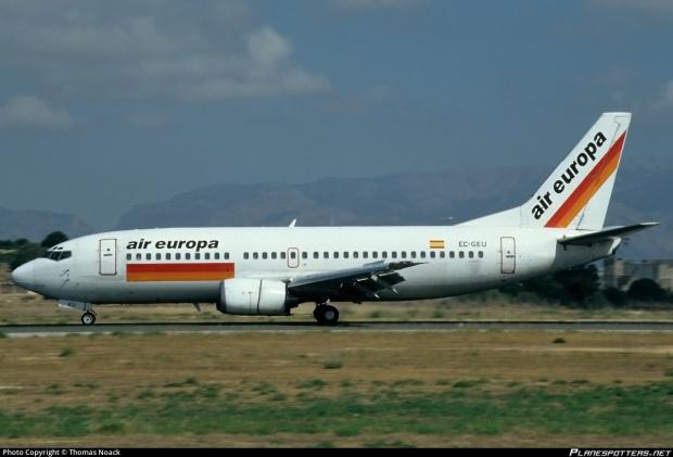 ec-geu-air-europa-boeing-737-375_planespottersnet_240636