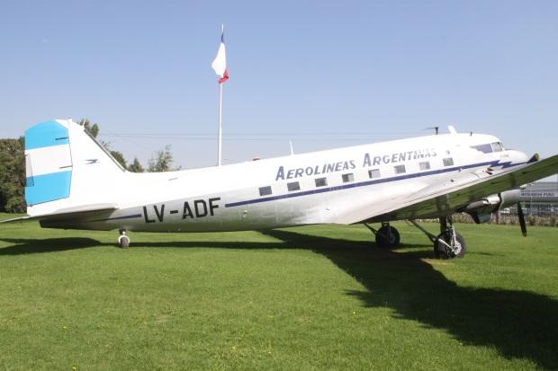 lv-adf_douglas_dc-3_aerolineas_argentinas_7322307000