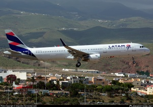 cc-bep-latam-airlines-chile-airbus-a321-211wl_planespottersnet_727772