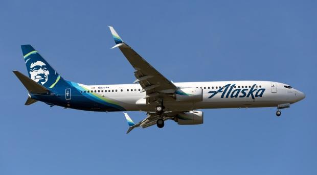 n237ak-alaska-airlines-boeing-737-990erwl