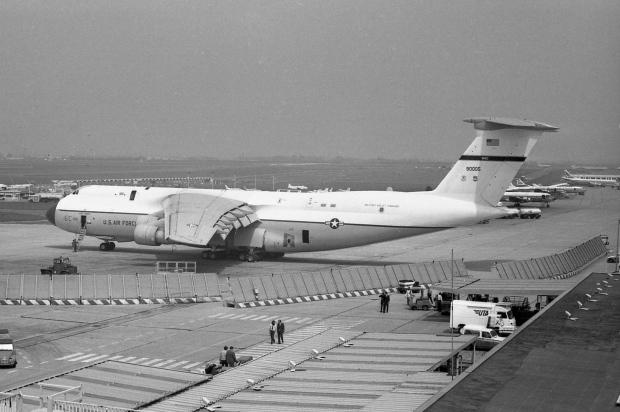 07 Lockheed C-5A Galaxy ''69-0005'' USAF