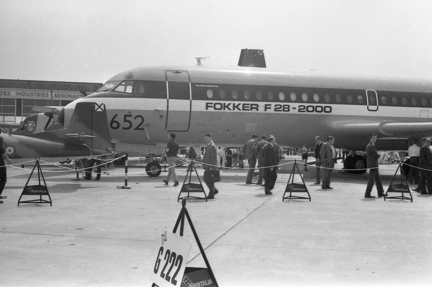 img492 Fokker F-28-1000 PH-JHG Fokker