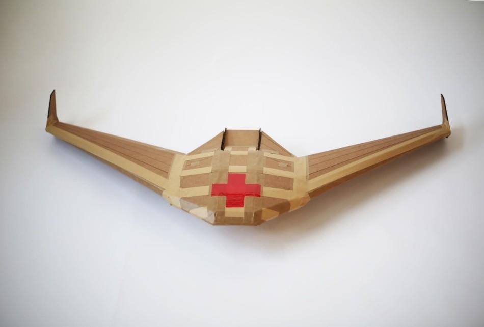 Dron de cartón