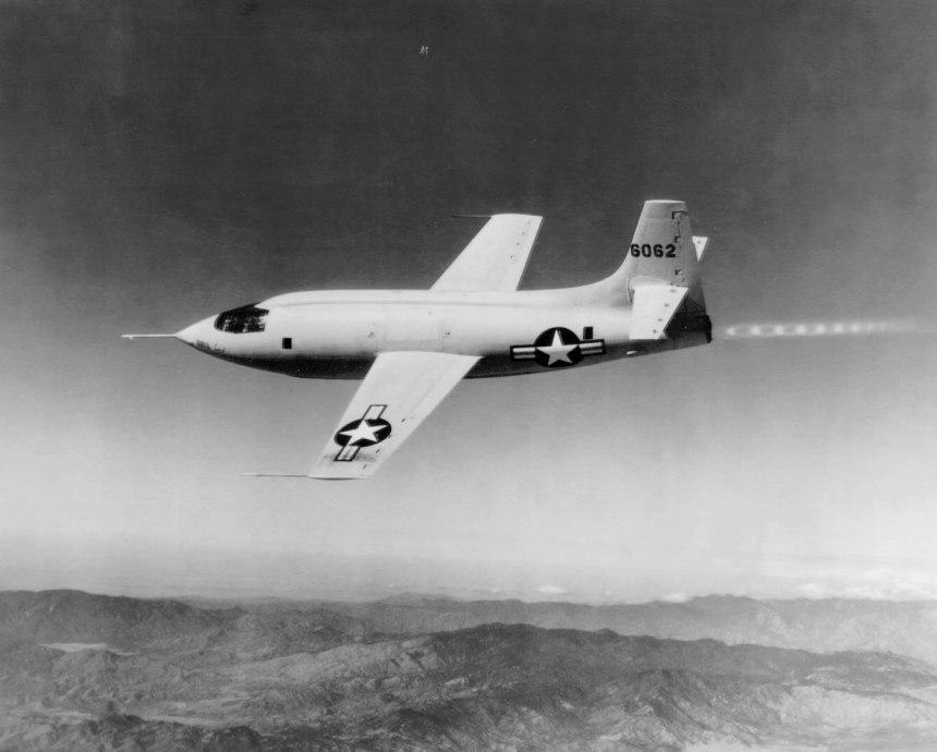 El X-1 #46-062 en vuelo.