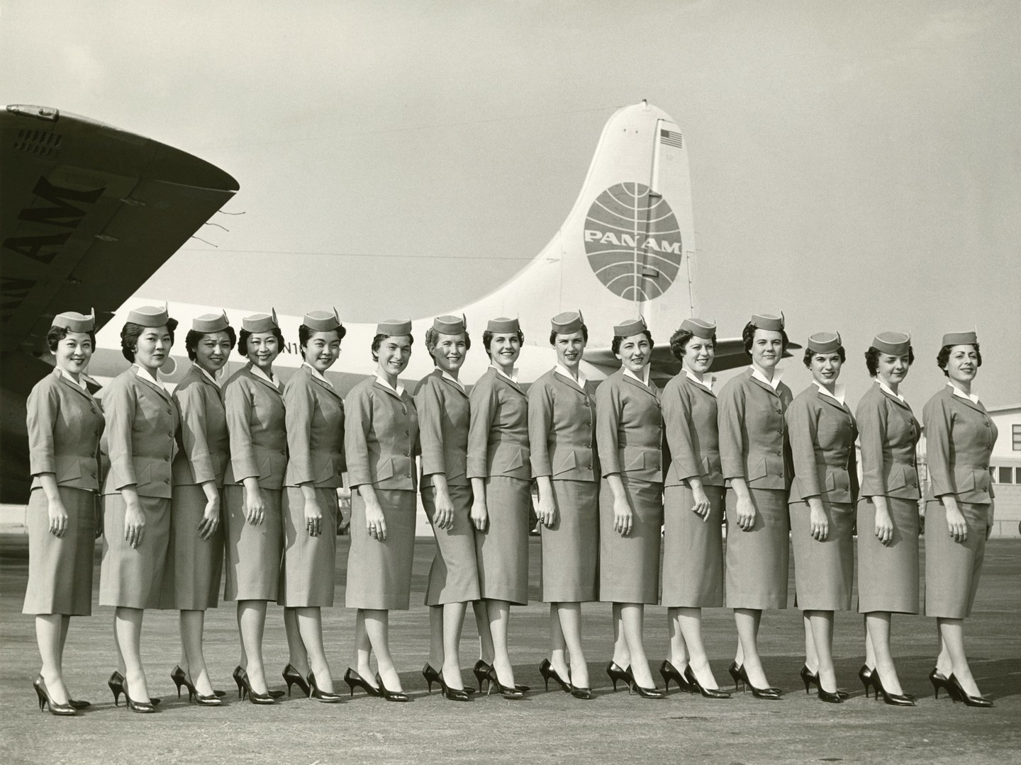 flight-attendant-uniforms-11