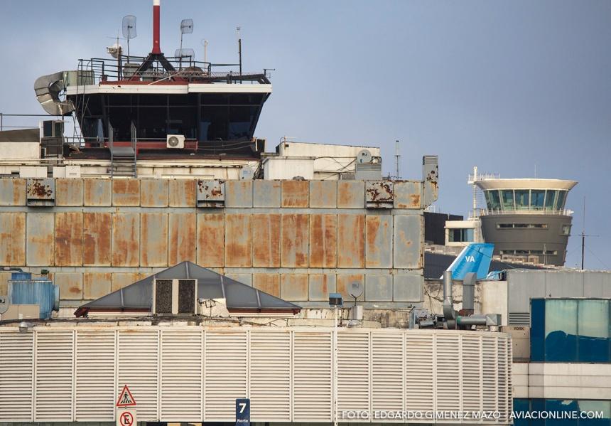 Aeroparque-Jorge-Newbery-vieja-y-nueva-torre-de-control-IMG_5248