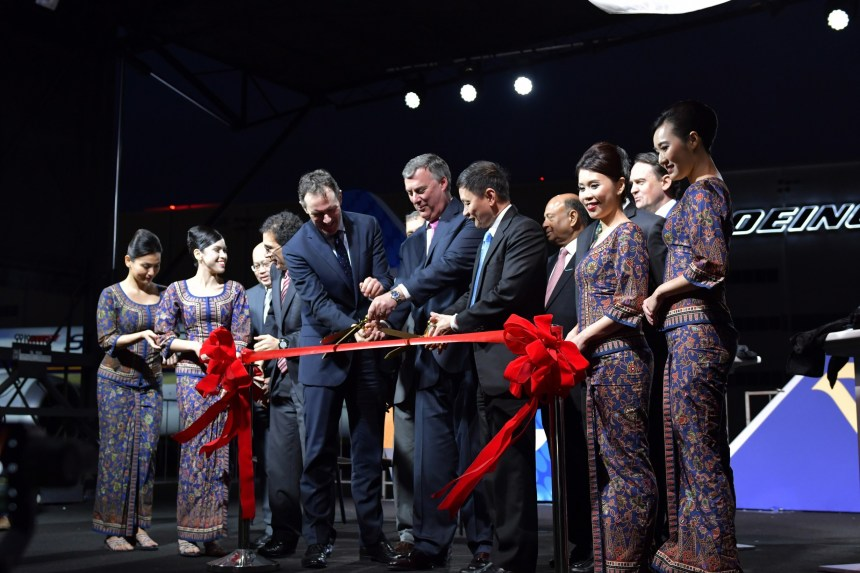 Boeing and Singapore Airlines Ribbon Cutting