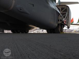 P1080844 KC-390 Tren piso