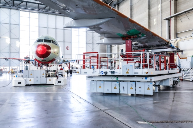 Mobile-tooling-platforms-for-major-components-4th-A320-Family-production-line-Airbus