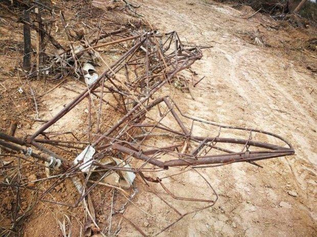 restos-de-la-aeronave-de-combate-de-las-fuerzas-aereas-bolivianas-_764_573_1631538-1.jpg