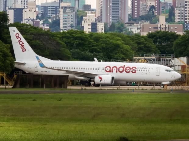 737-800_ANDES_SBPA_(24037389268)