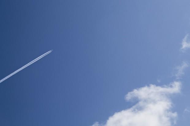 aeroplane_aircraft_airplane_blue_clouds_sky-1102412.jpg!d