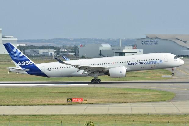 Airbus_A350-900_XWB_Airbus_Industries_AIB_MSN_001_-_F-WXWB_10498510293