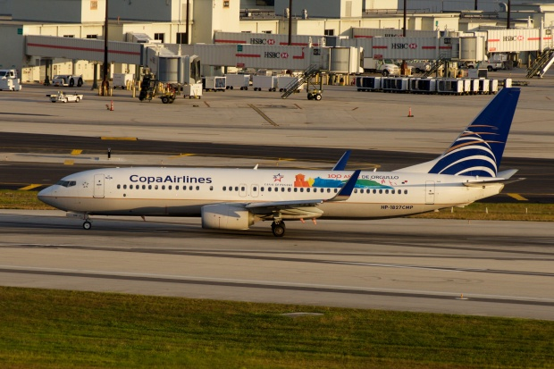 Copa_Airlines,_Boeing_737-800,_HP-1827CMP_(15861029465)
