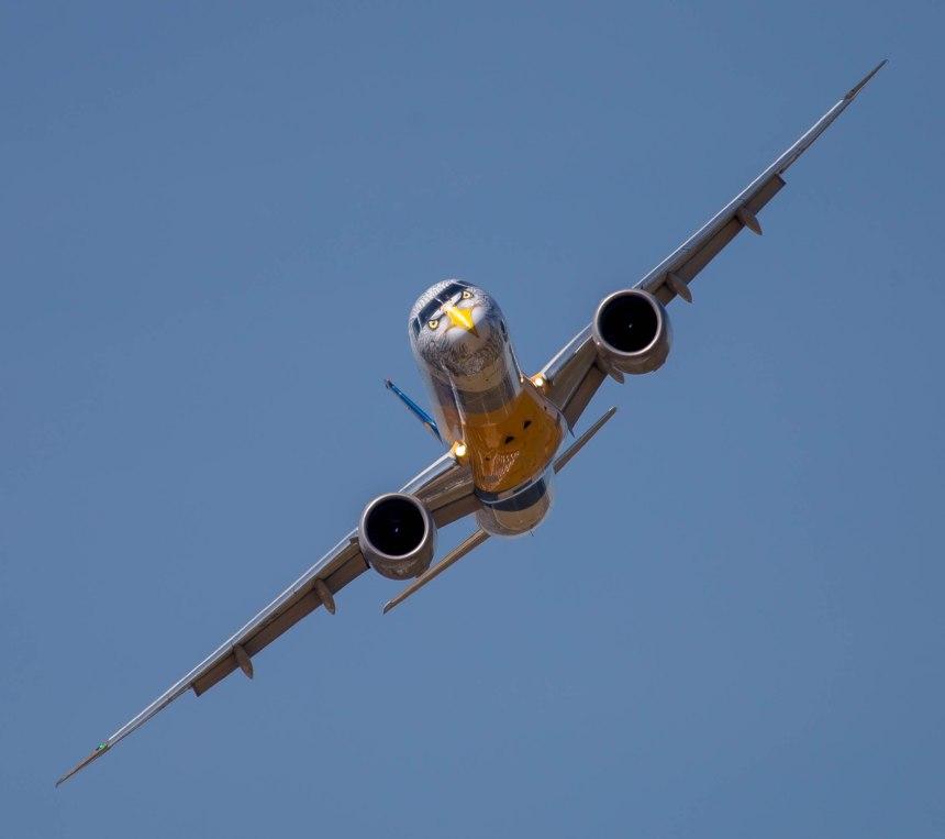 Embraer E195 E2