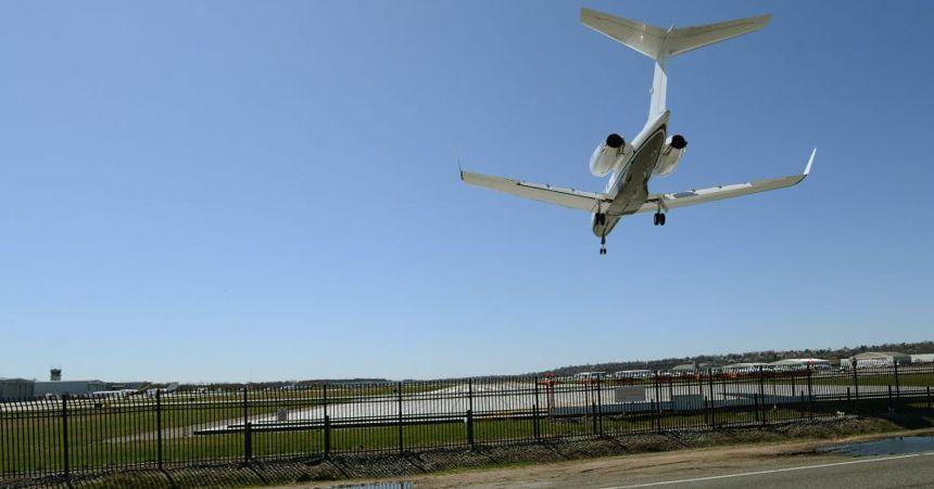 teterboroairport032916a-jpg