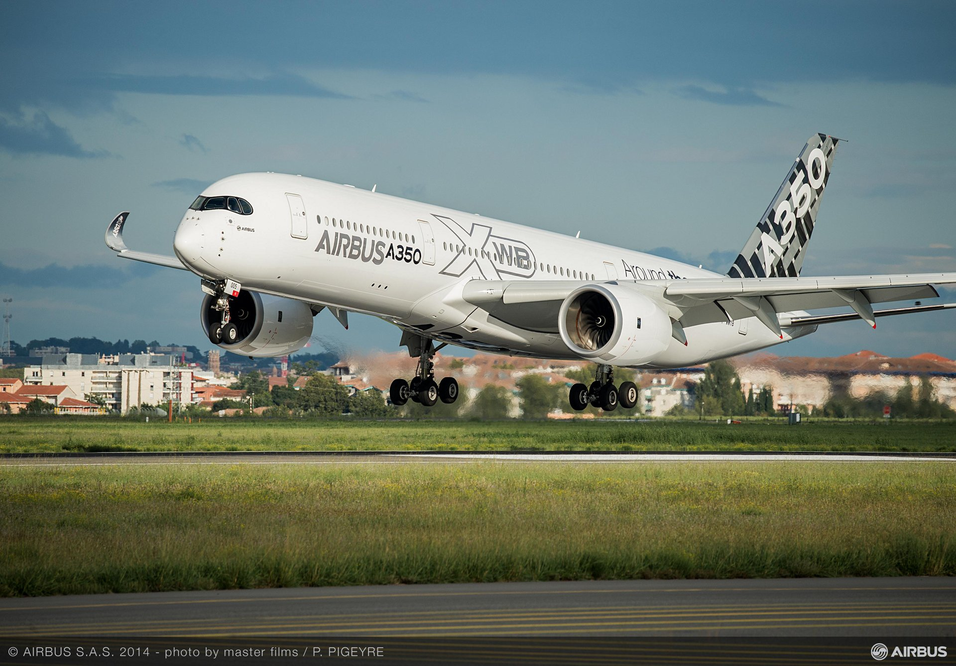 A350_XWB_Demo_Tour_of_Asia_01