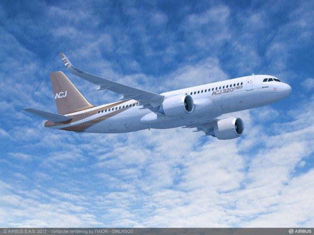 Airbus_ACJ320neo_Side_from_below_