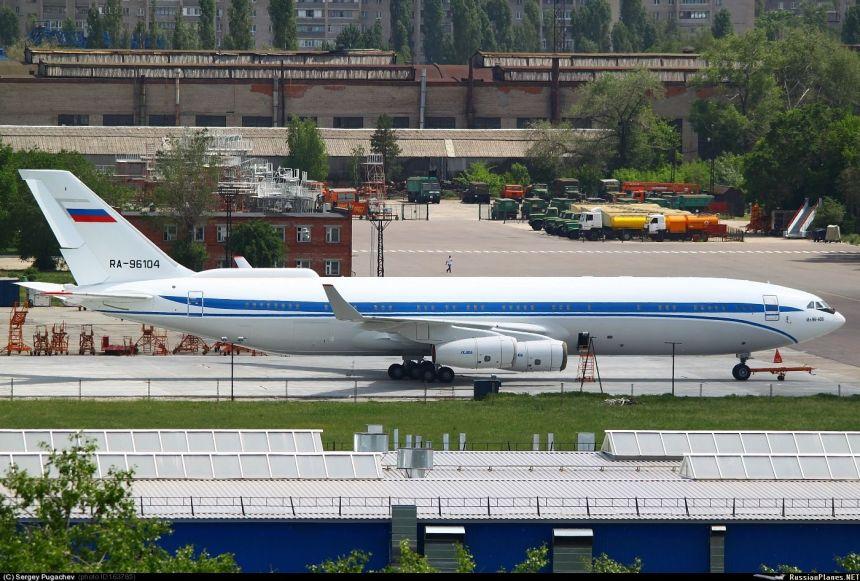 IL-96-400T_7