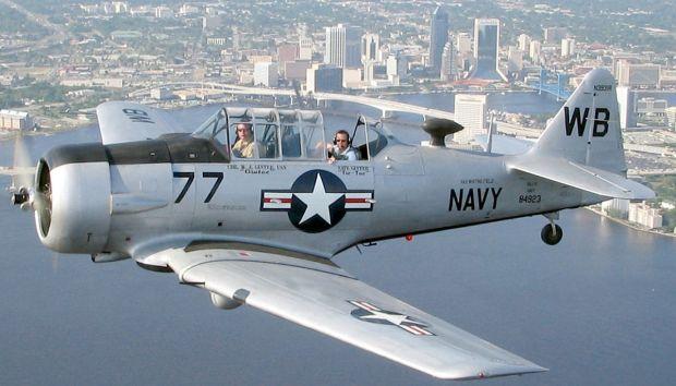 1200px-T-6_Texan_Jacksonville_a