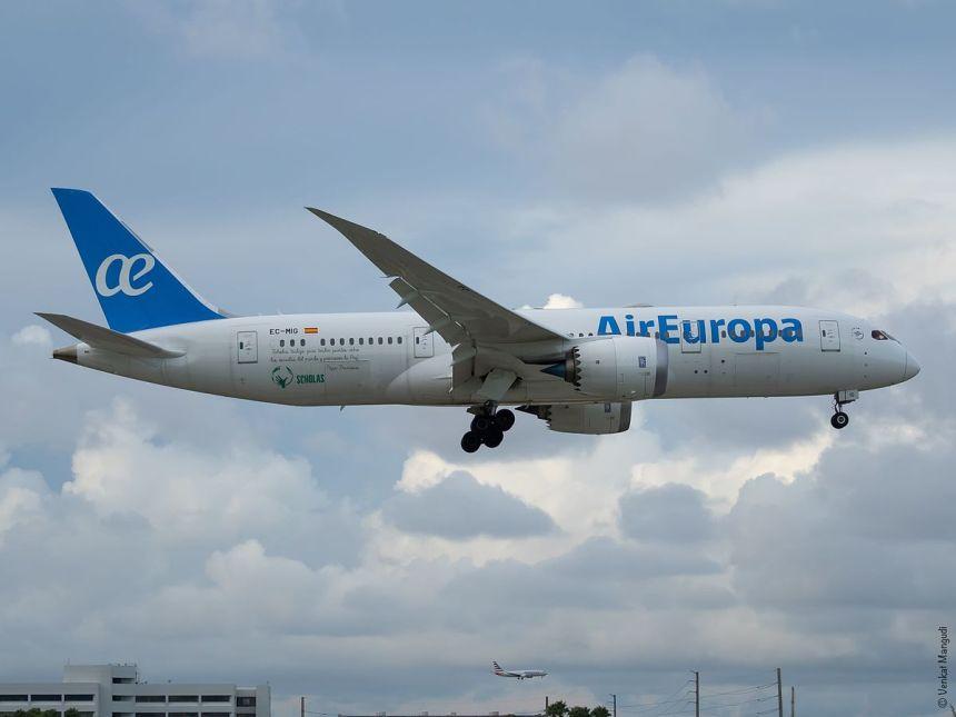 Air_Europa_EC-MIG_B787-8_(29324852794)