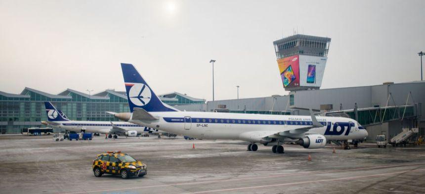 lotniskowradomiulepiejzburzyc-1180x541