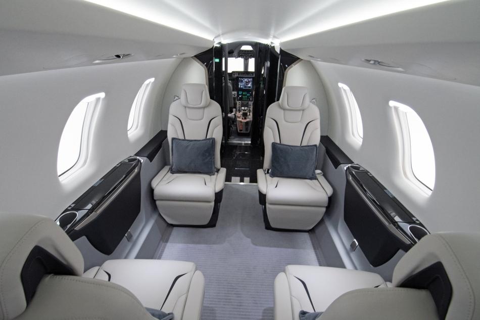 pc-24-double-club-interior-18