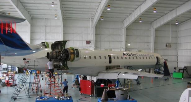 Regional-Jet-Maintenance-615x330