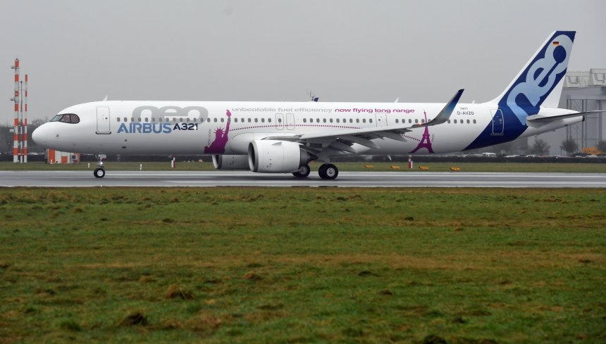 An Airbus A321LR takes off during a presentation of the company's new long range aircraft in Hamburg-Finkenwerder