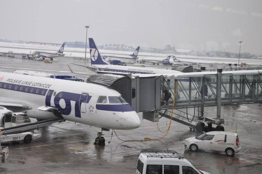 terminal-2-frederic-chopin-intern-airport-warsaw-poland_190453_l