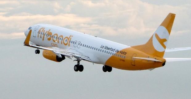Flybondi-Boeing-737-800-takeoff_10192018_1229