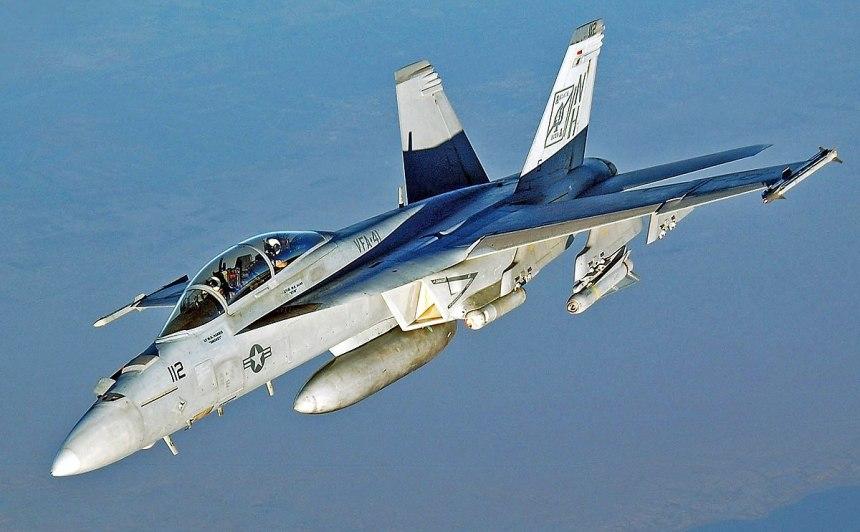 1200px-FA-18_Hornet_VFA-41_retusche