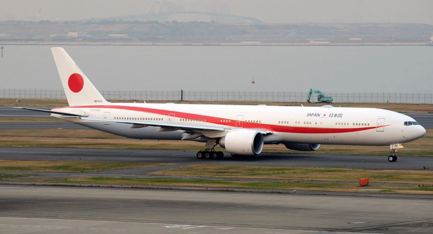 BOEING-777-300ER-JAPAN-80-1111-3