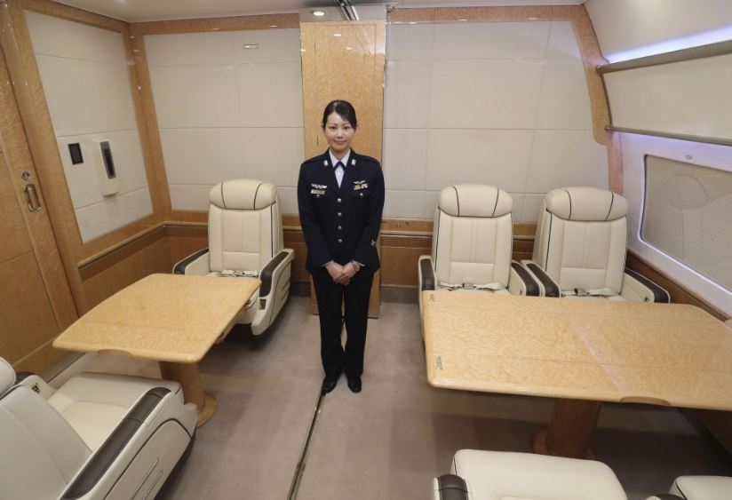 BOEING-777-300ER-JAPAN-80-1111