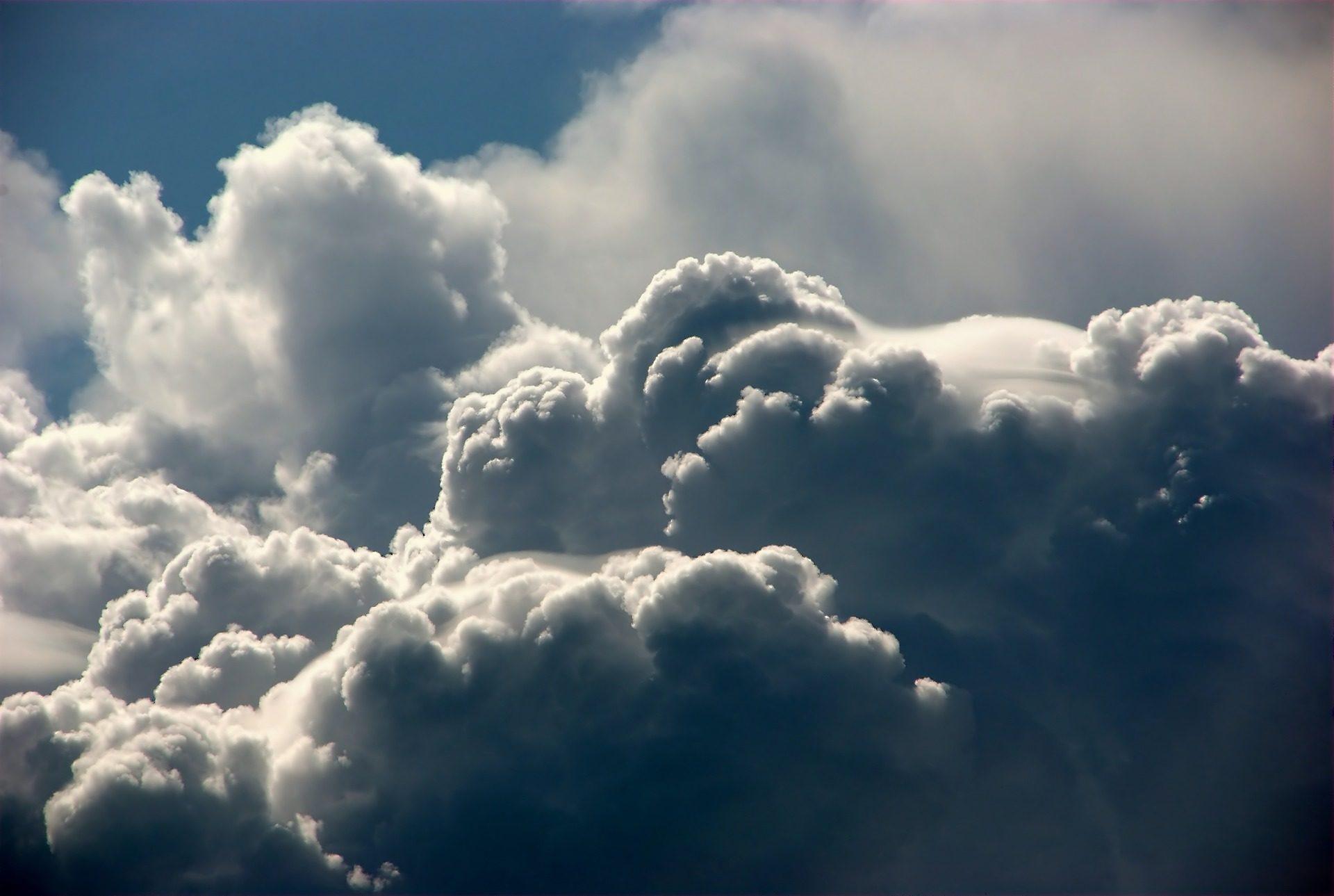 nubes-tormenta-cumulonimbos-formas-densidad-lluvia-fondos-de-pantalla-hd-professor-falken.com_
