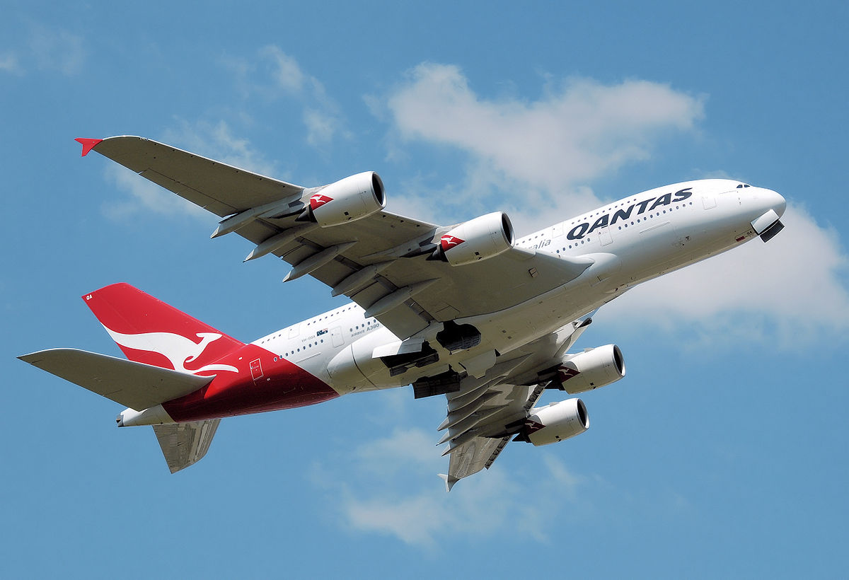 1200px-Qantas_a380_vh-oqa_takeoff_heathrow_arp