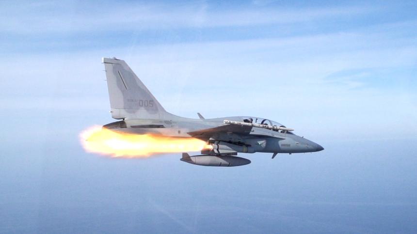 2014.10.8_공군_FA-50_Republic_of_Korea_Air_Force_(15361855617)