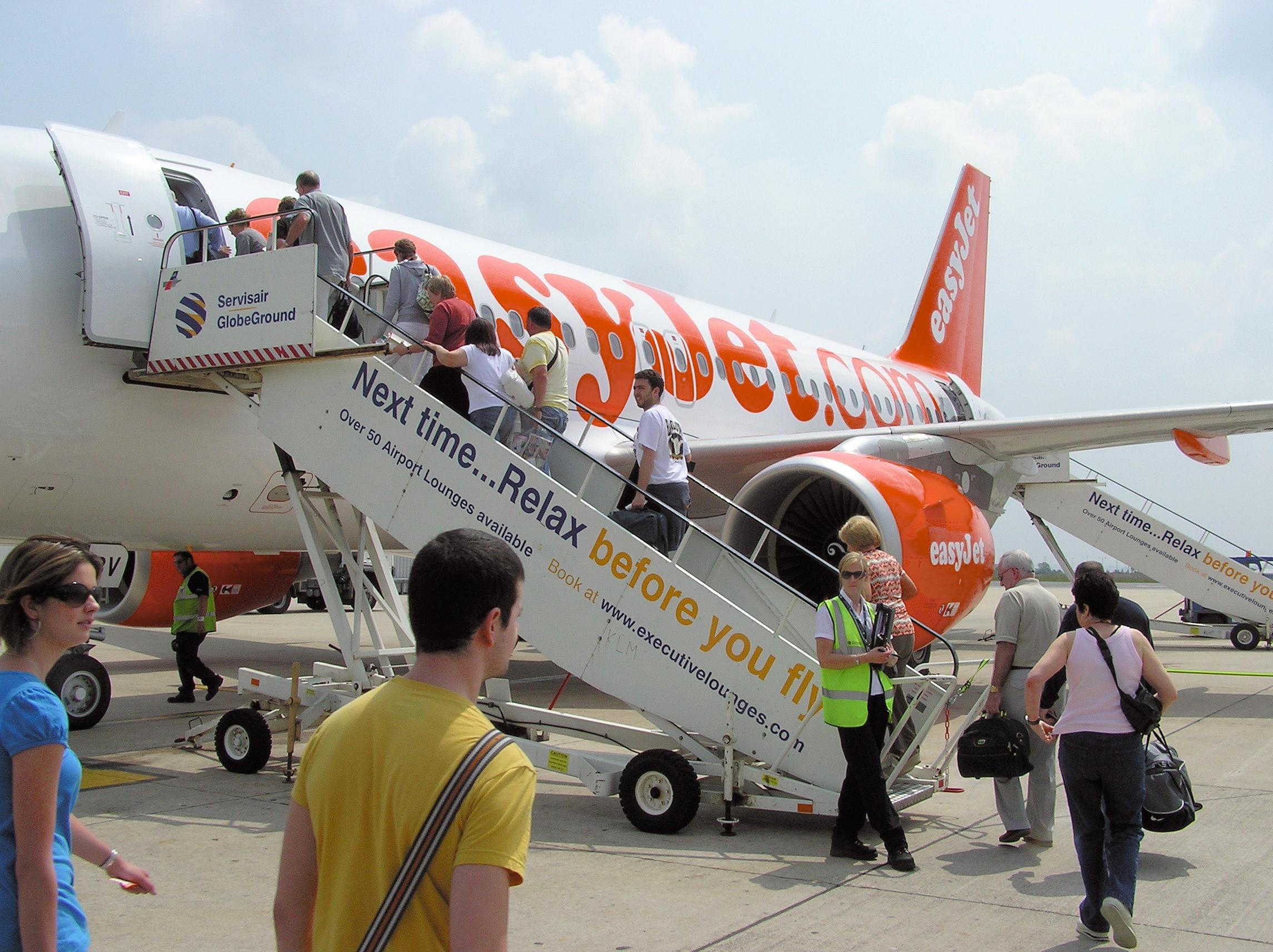 Boarding.easyjet.a319.arp
