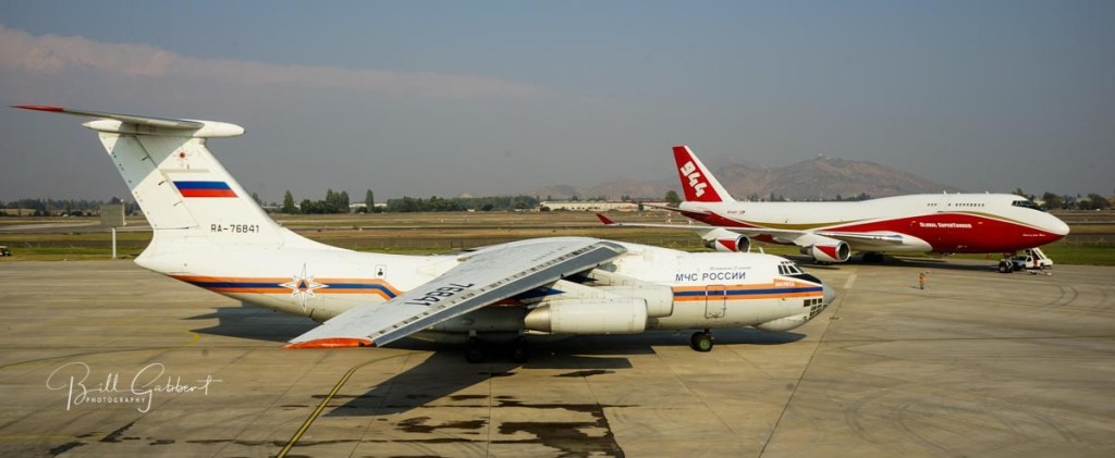 IL-76and747_Santiago
