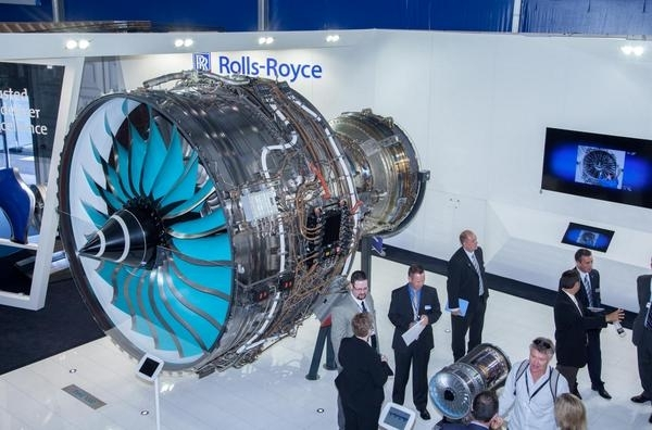 rolls-royce-trent-7000-powers-airbus-a330neo-to-farnborough-debut-12995-Z4ObfI2IEqunElLRi5fSv4psL