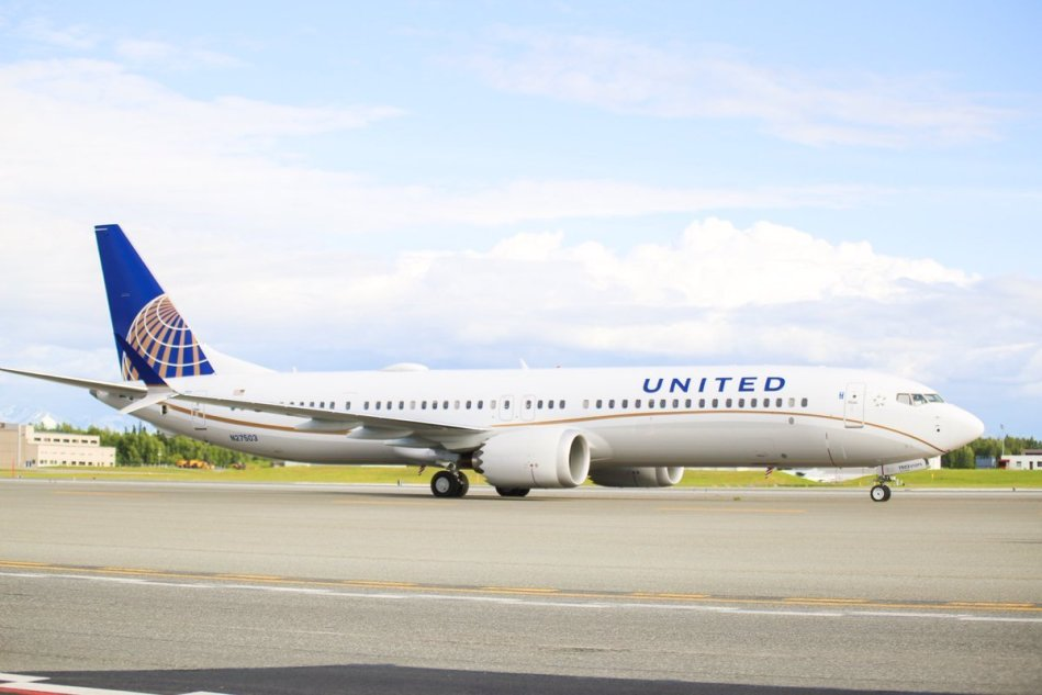 UNITED-AIRLINES-BOEING-737-MAX-9-N27503