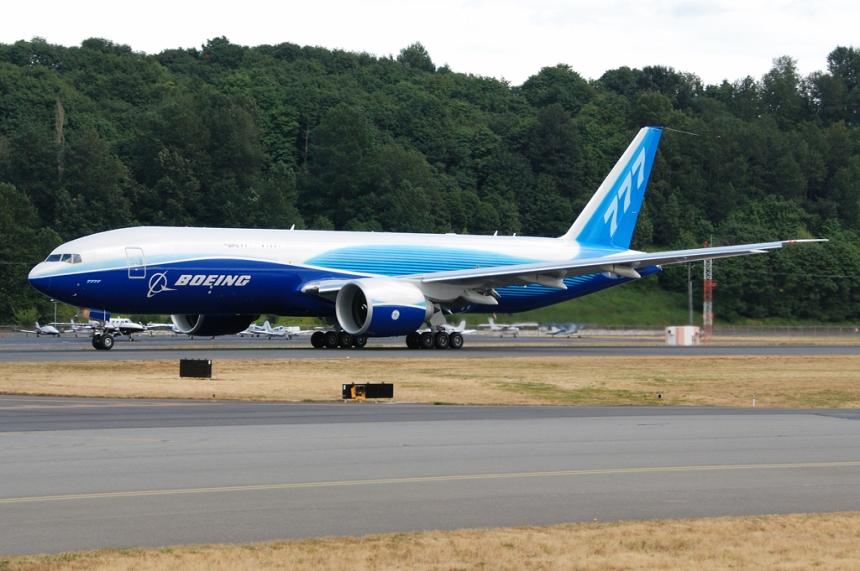 Boeing_777_Freighter_test_flight