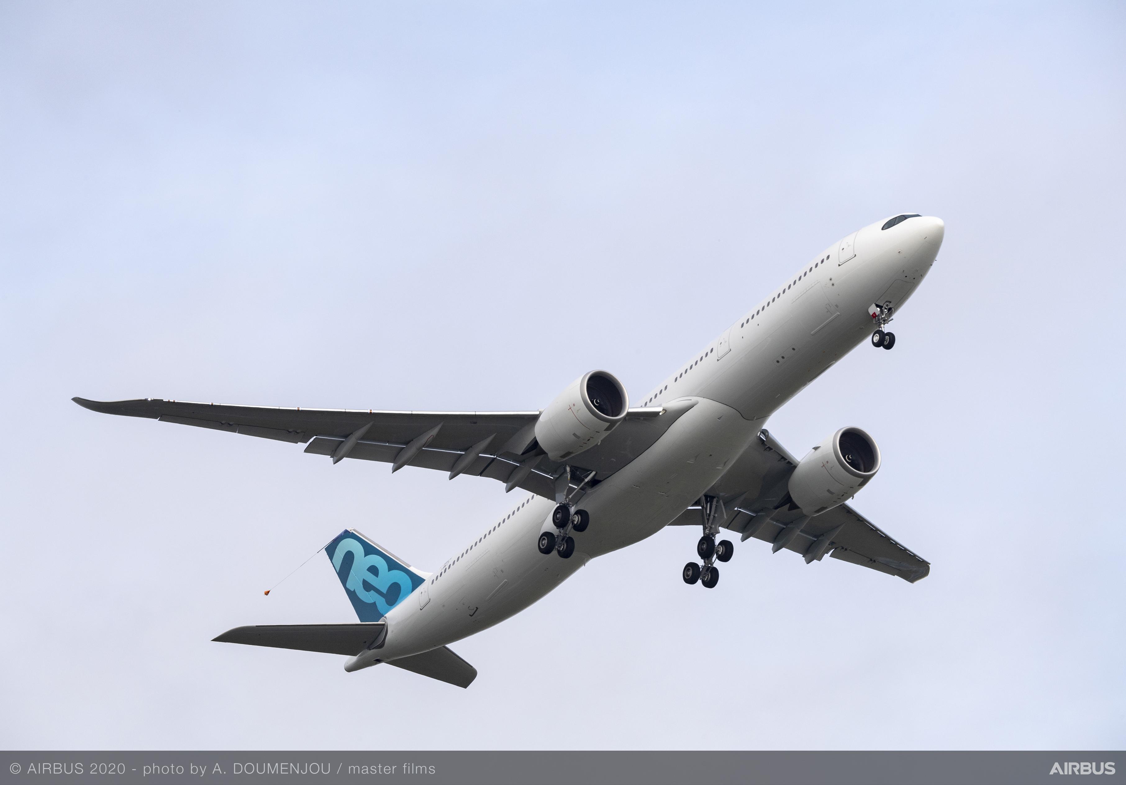 A330-900-Airbus-MSN1967-251-tonnes-first-flight-004